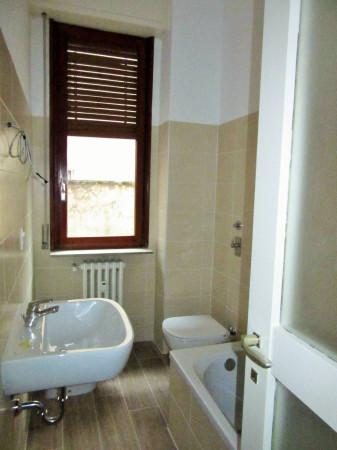 Bilocale Milano Via Monferrato 13