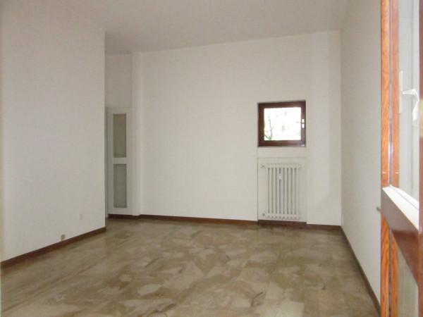 Bilocale Milano Via Monferrato 6