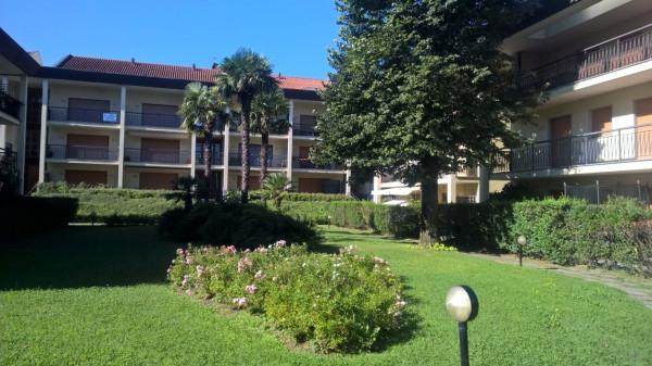 Appartamento in vendita a Porto Ceresio, 3 locali, prezzo € 135.000 | Cambio Casa.it