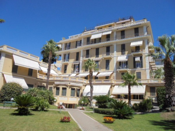Appartamento in affitto a Bordighera, 4 locali, prezzo € 1.800 | Cambio Casa.it