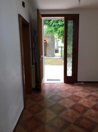Soluzione Indipendente in vendita a Novi di Modena, 6 locali, prezzo € 80.000 | Cambio Casa.it