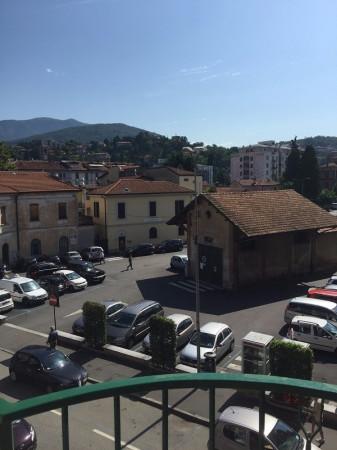 Bilocale Luino Via Vittorio Veneto 11