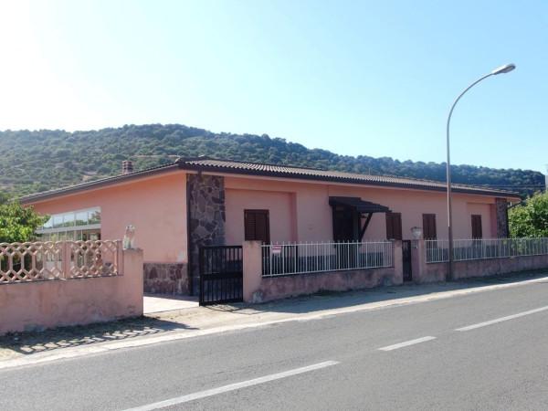 Rustico in Vendita a Castelsardo Periferia: 5 locali, 185 mq