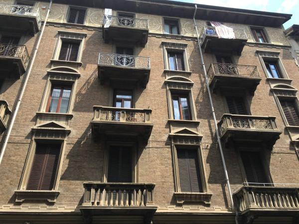 Bilocale Torino Via Santa Giulia 2