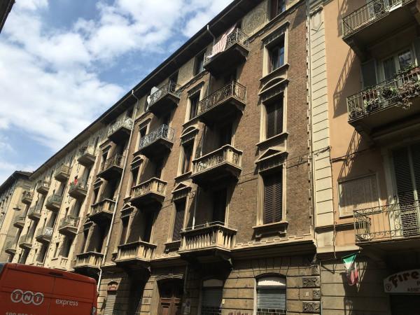 Bilocale Torino Via Santa Giulia 3