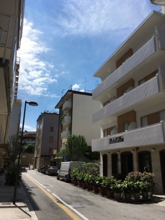 Appartamento in vendita a Grado, 6 locali, prezzo € 155.000 | Cambio Casa.it