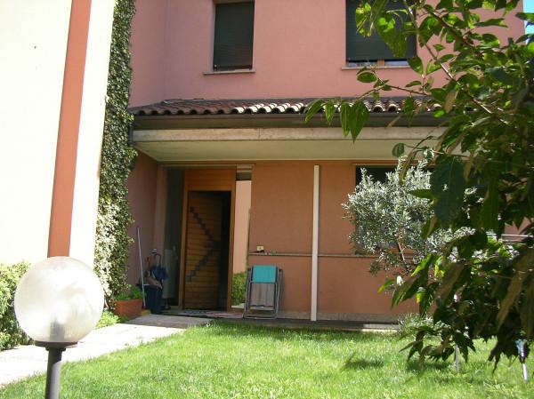 Villa in vendita a Desio, 4 locali, prezzo € 385.000 | Cambio Casa.it