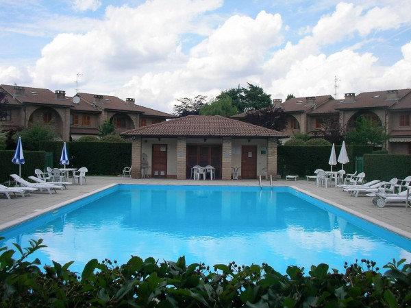 Villa in vendita a Cesano Maderno, 5 locali, prezzo € 465.000 | Cambio Casa.it