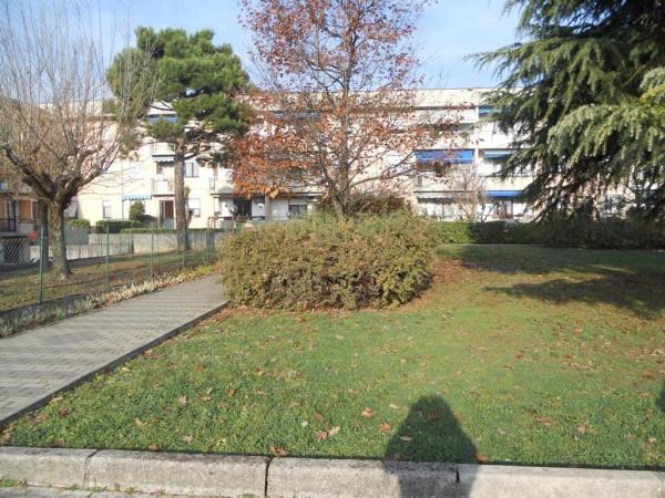 Bilocale Rezzato Via Caduti Piazza Della Loggia 11