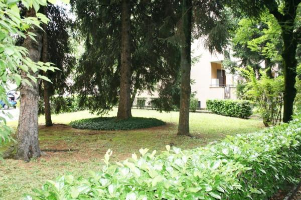 Bilocale Carate Brianza Via Toti, 10 3