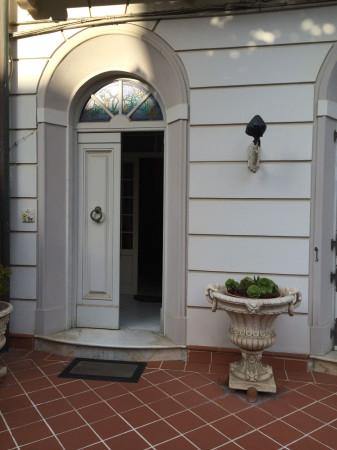 Villa in vendita a Viareggio, 6 locali, Trattative riservate | CambioCasa.it