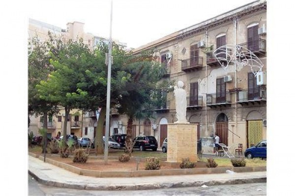 Bilocale Palermo Via Argentieri 7