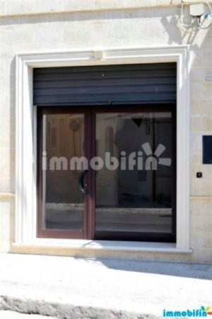 Negozio / Locale in affitto a Oria, 1 locali, prezzo € 400 | Cambio Casa.it