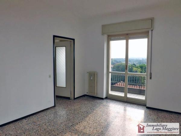 Appartamento in vendita a Ispra, 2 locali, prezzo € 95.000 | Cambio Casa.it