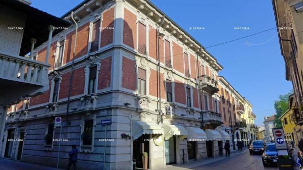 Appartamento in vendita a Abbiategrasso, 4 locali, prezzo € 320.000 | Cambio Casa.it