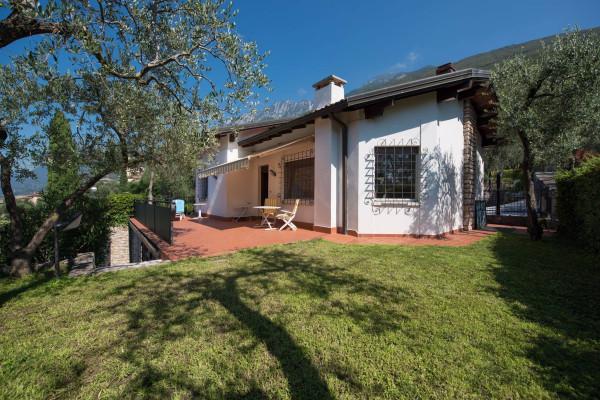 Villa in vendita a Brenzone, 6 locali, prezzo € 525.000 | Cambio Casa.it