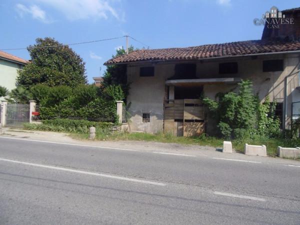 Magazzino in Vendita a Castellamonte Centro: 2 locali, 143 mq