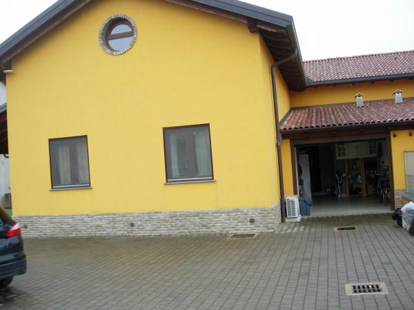 Villa in vendita a Asigliano Vercellese, 3 locali, Trattative riservate | Cambio Casa.it