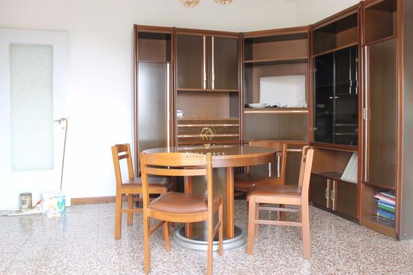 Appartamento in vendita a Monticello Brianza, 3 locali, prezzo € 75.000 | Cambio Casa.it