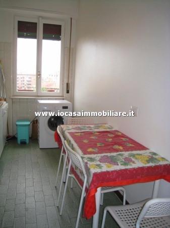 Bilocale Milano Via Fratelli Rosselli 10