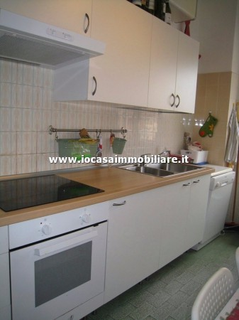 Bilocale Milano Via Fratelli Rosselli 11