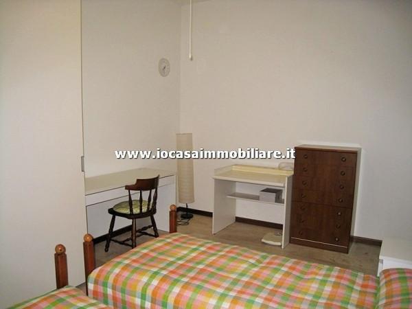 Bilocale Milano Via Fratelli Rosselli 8