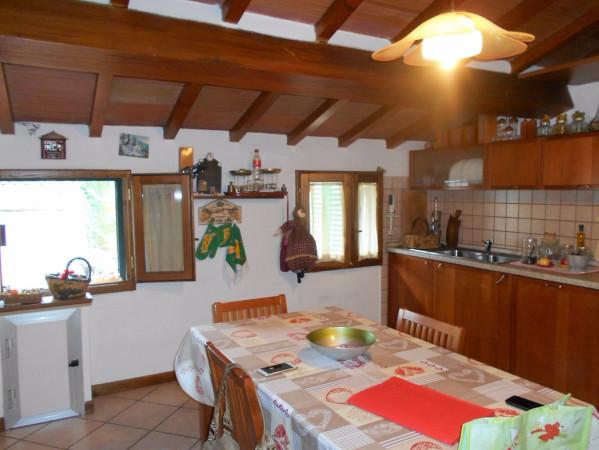 Attico / Mansarda in vendita a Pescia, 4 locali, prezzo € 108.000 | Cambio Casa.it