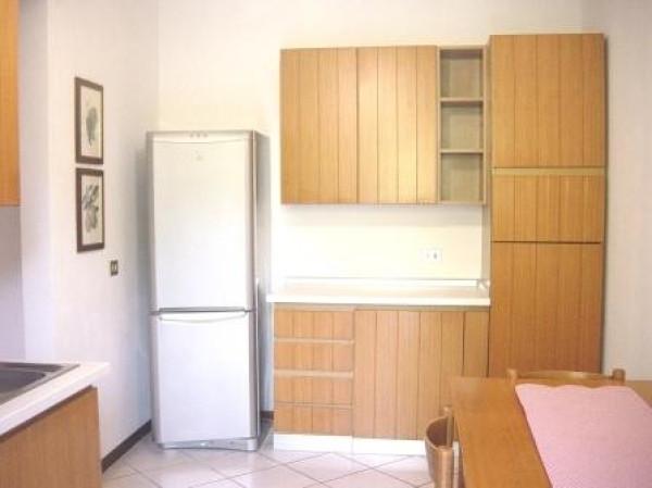 Bilocale Lipomo Via Rovascio 6