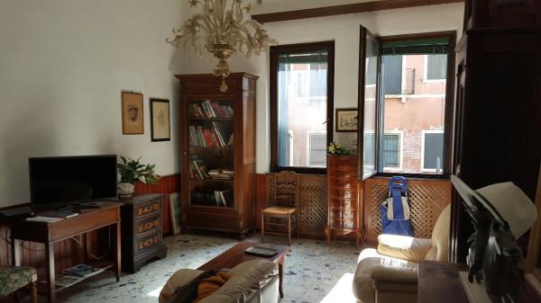 Appartamento in vendita a Venezia, 4 locali, zona Zona: 4 . Castello, prezzo € 430.000 | CambioCasa.it