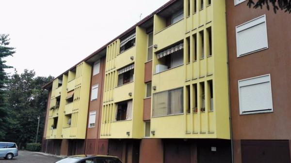 Appartamento in vendita a Samarate, 3 locali, prezzo € 70.000 | Cambio Casa.it