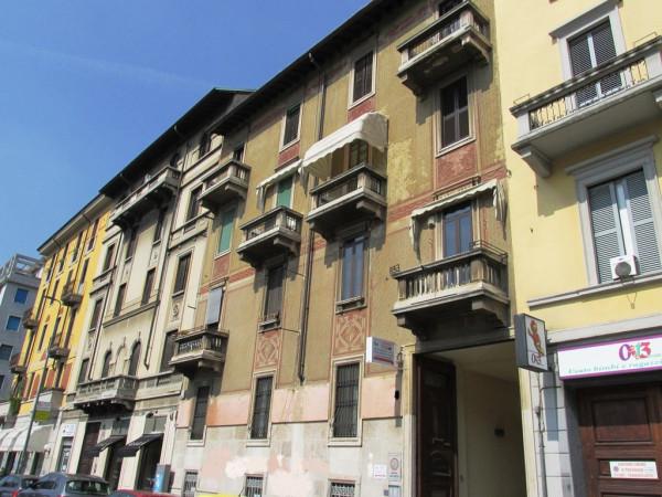 Bilocale Milano Via Antonio Tolomeo Trivulzio 1
