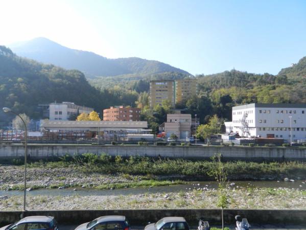 Bilocale Genova Via Struppa 3