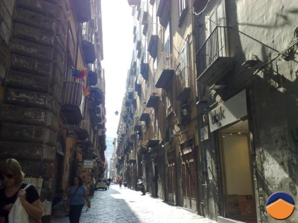 Bilocale Napoli Vico Maiorani 1