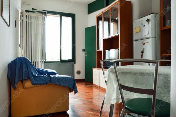 Bilocale Bologna Via Guelfa 4