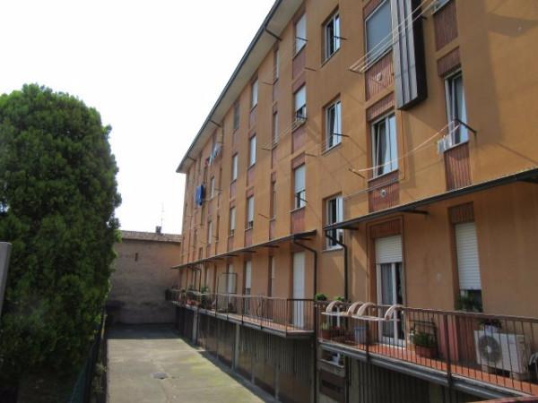 Bilocale Cassano d Adda Via Giosuè Carducci 3