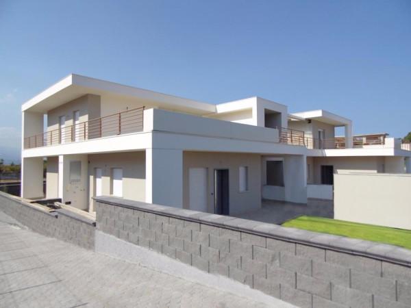 Villa in Vendita a Valverde Periferia: 4 locali, 100 mq
