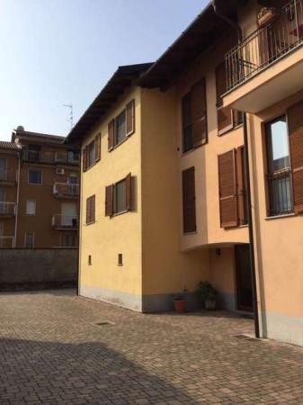 Appartamento in vendita a Cameri, 3 locali, prezzo € 138.000 | Cambio Casa.it
