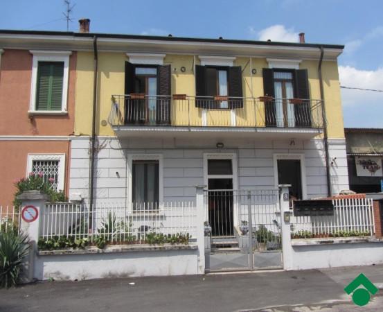 Bilocale Milano Via Gallarate, 311 1