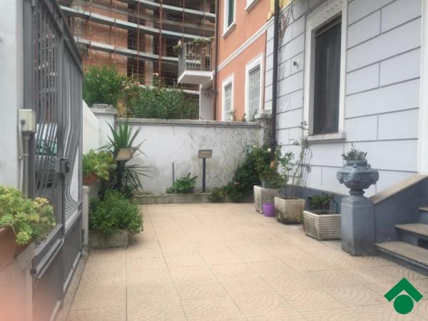 Bilocale Milano Via Gallarate, 311 2