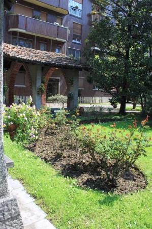 Bilocale Milano Via Val Di Sole 8