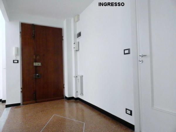 Bilocale Genova Via Federico Donaver 5