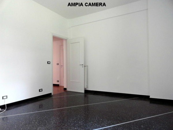 Bilocale Genova Via Federico Donaver 7