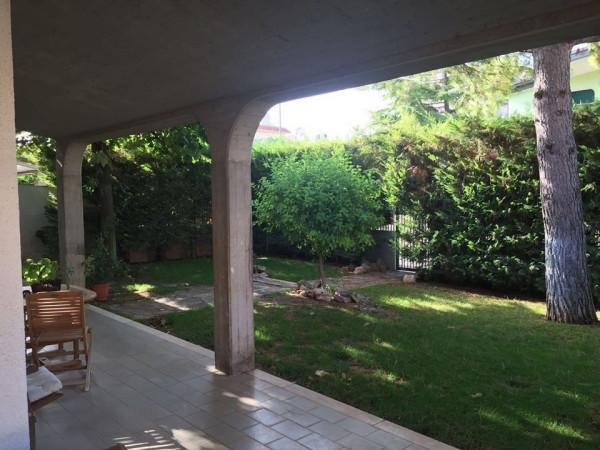 Villa in vendita a Sannicandro di Bari, 6 locali, prezzo € 350.000 | Cambio Casa.it