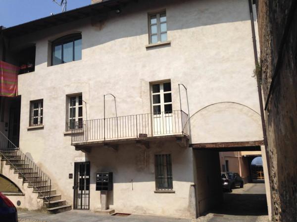 Bilocale Varese Via Carrobbio 4