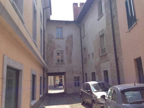 Bilocale Varese Via Carrobbio 5