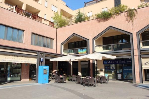 Negozio / Locale in Vendita a San Lazzaro di Savena