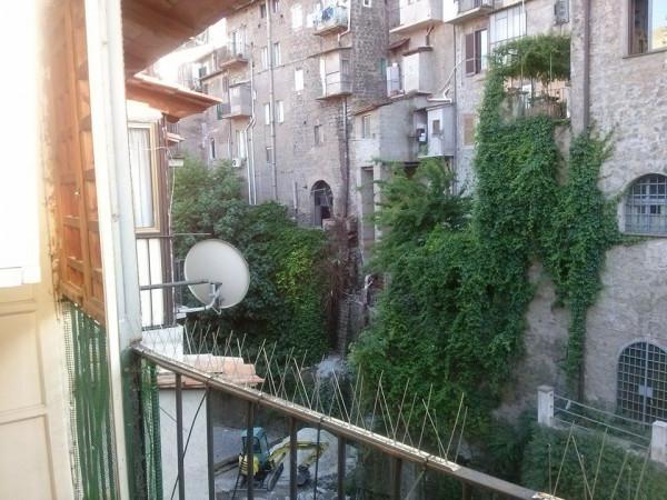 Bilocale Ronciglione Via Tre Cannelle 2