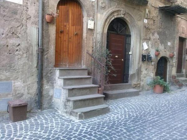 Bilocale Ronciglione Via Tre Cannelle 3