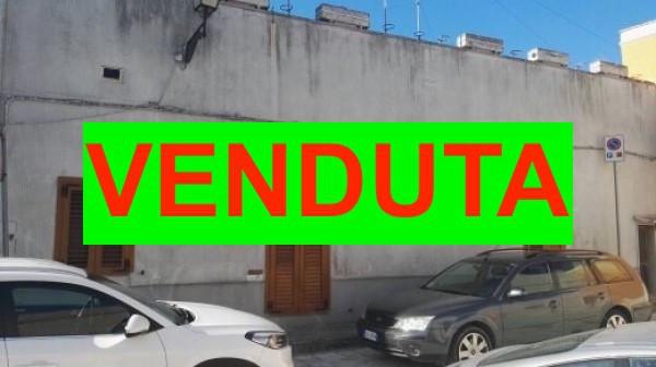 Soluzione Indipendente in vendita a Veglie, 5 locali, prezzo € 118.000 | Cambio Casa.it