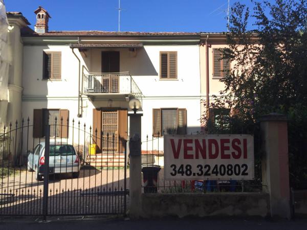 Villa in Vendita a Asti Centro: 5 locali, 200 mq